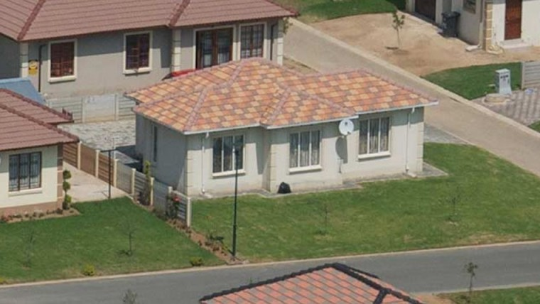 2 Bedrooms Houses for Sale in Jukskei View Waterfall, Midrand
